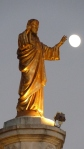 golden-Jesus -moon-2432x4320_77278